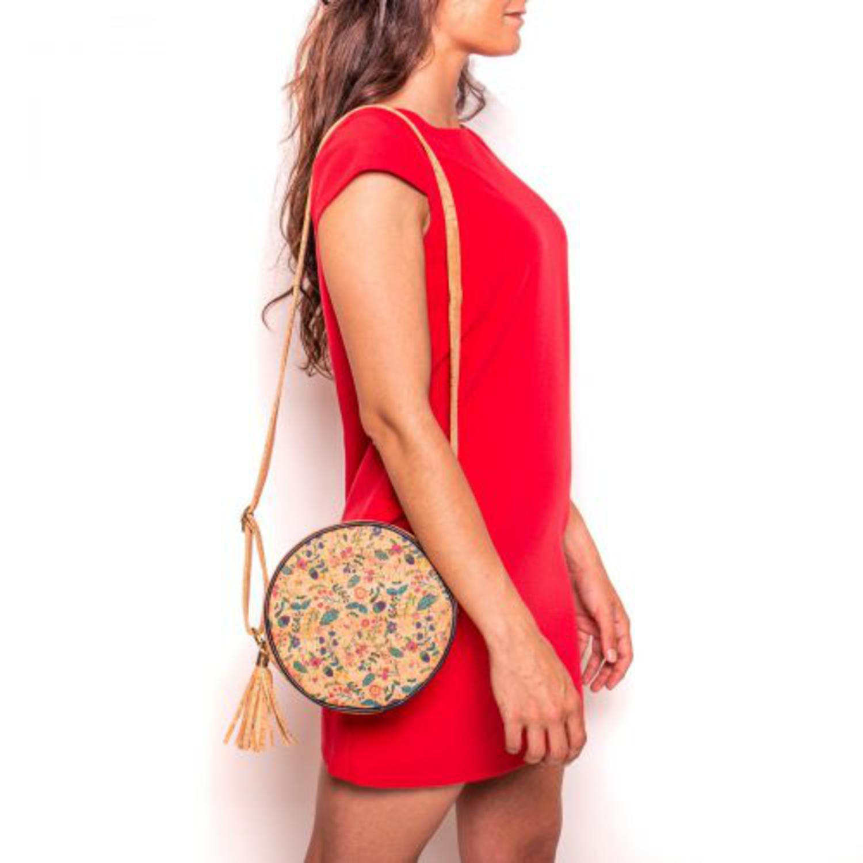 Čezramna okrogla torbica iz plute z vzorci