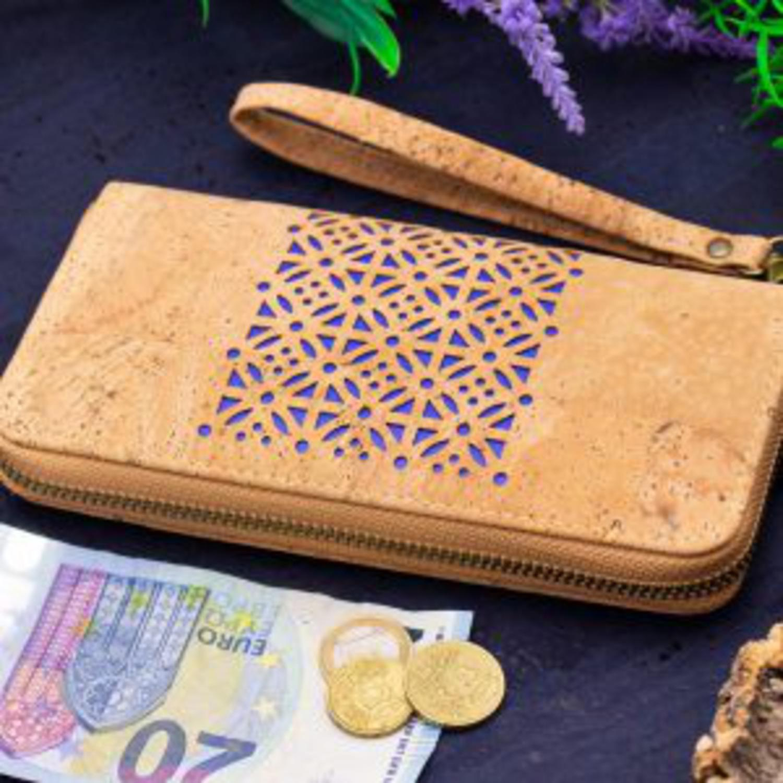 Dolga prostorna denarnica iz plute
