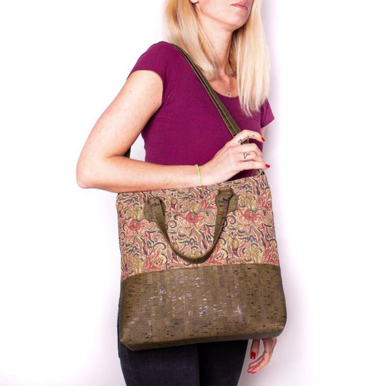 Ženska torbica z vzorci